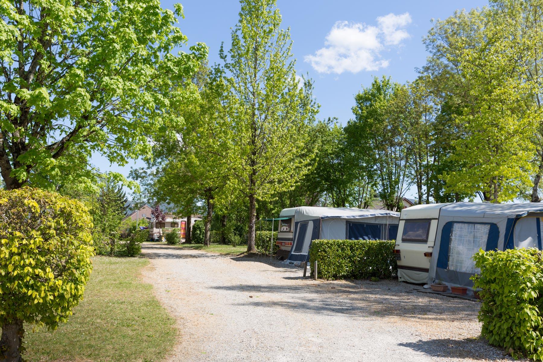 Camping Les Avenières, se loger proche de Walibi